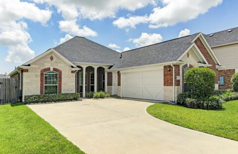 1539 Nacogdoches Valley Drive / Sell Agent